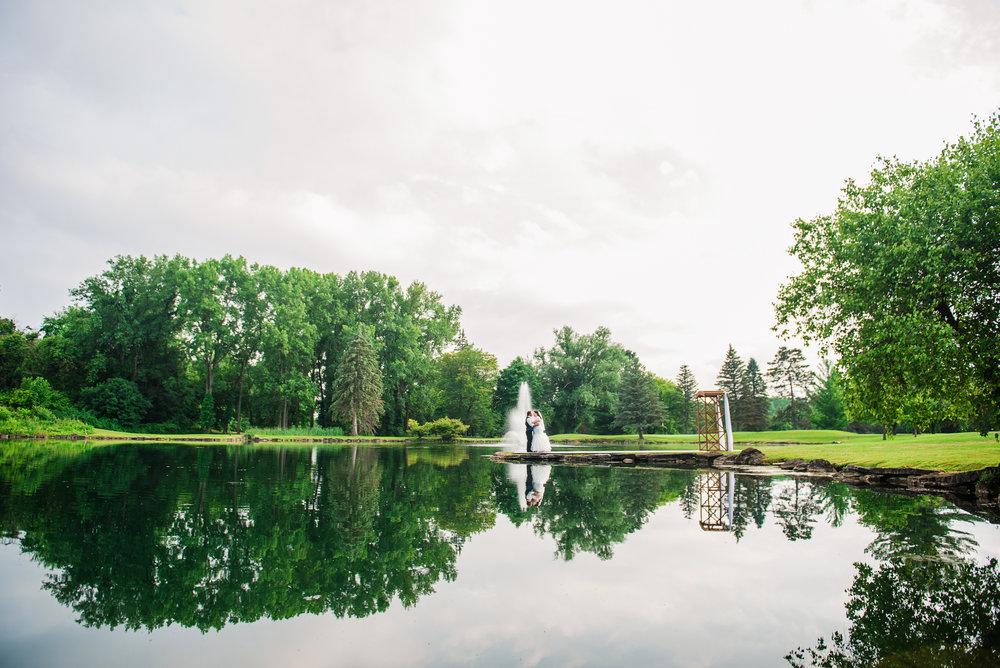 JILLSTUDIO_Shadow_Lake_Rochester_Wedding_Rochester_NY_Photographer_DSC_4537.jpg