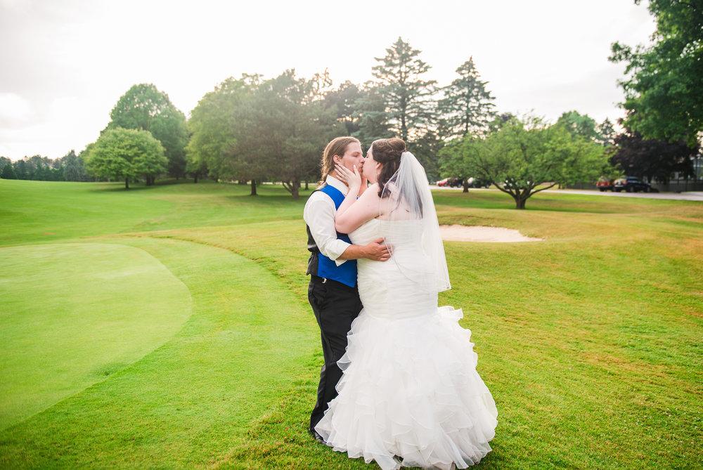 JILLSTUDIO_Shadow_Lake_Rochester_Wedding_Rochester_NY_Photographer_DSC_4588.jpg