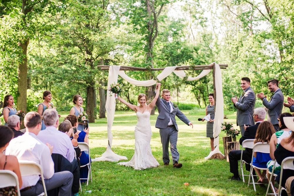 JILLSTUDIO_Toganenwood_Estate_Rochester_Wedding_Rochester_NY_Photographer_DSC_6242.jpg
