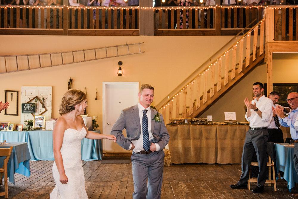 JILLSTUDIO_Toganenwood_Estate_Rochester_Wedding_Rochester_NY_Photographer_DSC_6510.jpg