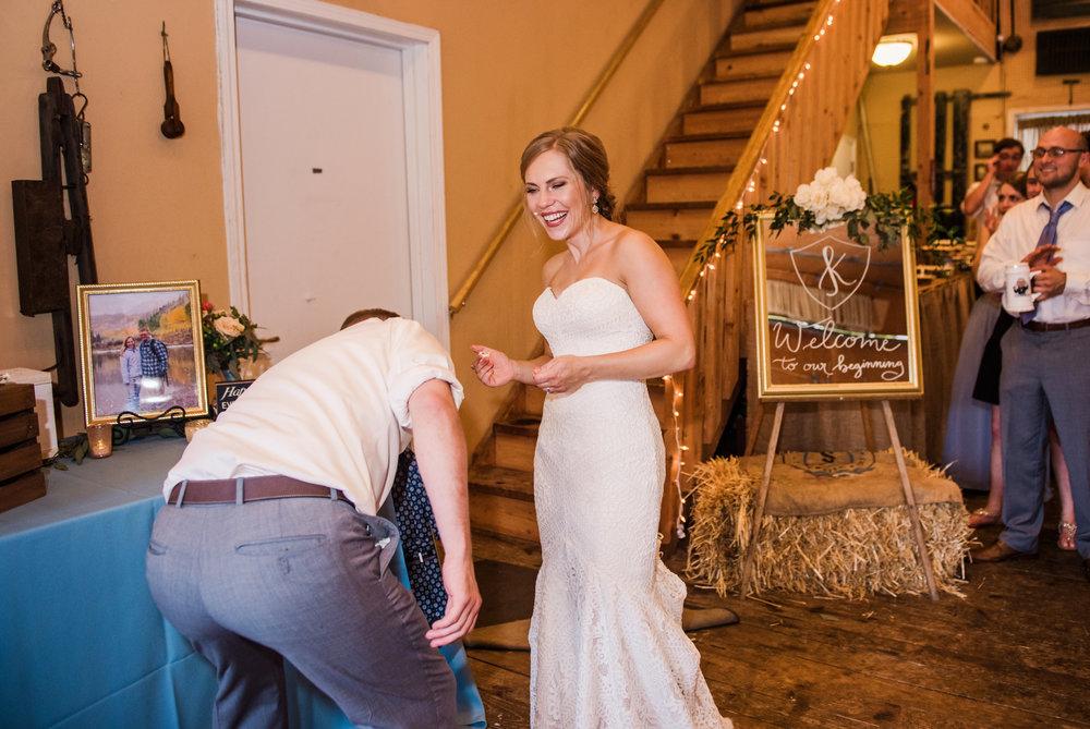 JILLSTUDIO_Toganenwood_Estate_Rochester_Wedding_Rochester_NY_Photographer_DSC_6596.jpg