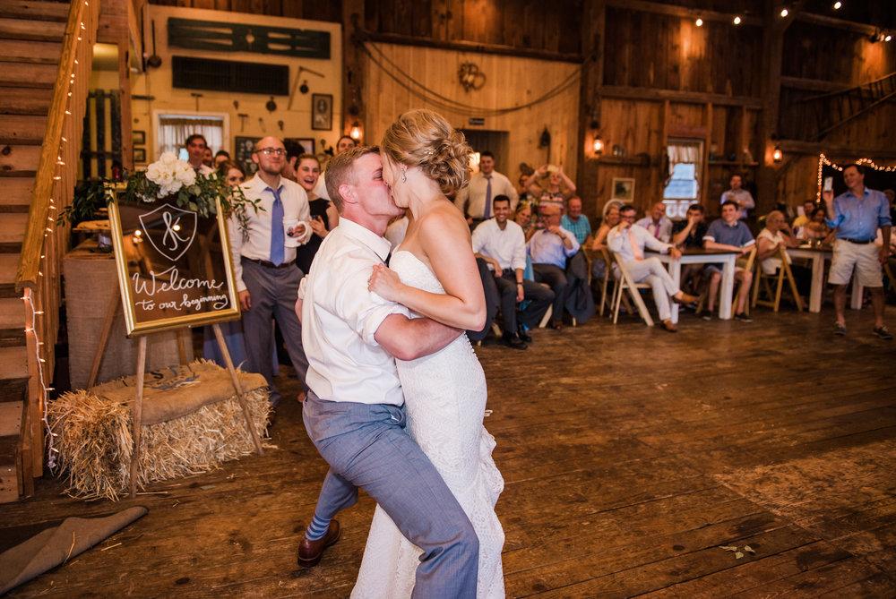 JILLSTUDIO_Toganenwood_Estate_Rochester_Wedding_Rochester_NY_Photographer_DSC_6601.jpg