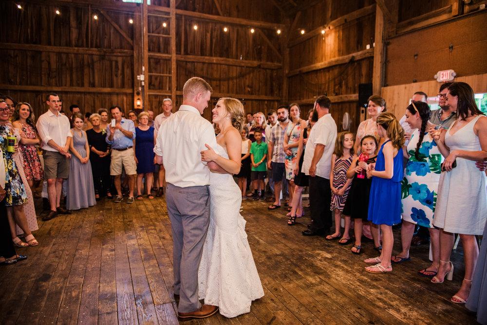 JILLSTUDIO_Toganenwood_Estate_Rochester_Wedding_Rochester_NY_Photographer_DSC_6612.jpg