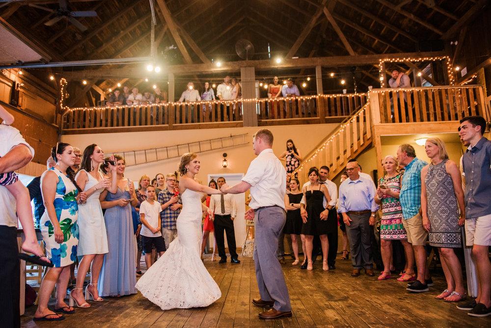 JILLSTUDIO_Toganenwood_Estate_Rochester_Wedding_Rochester_NY_Photographer_DSC_6631.jpg