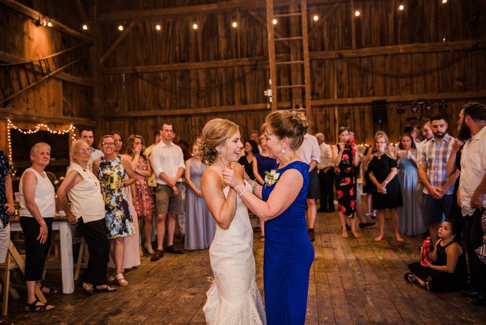 JILLSTUDIO_Toganenwood_Estate_Rochester_Wedding_Rochester_NY_Photographer_DSC_6645.jpg