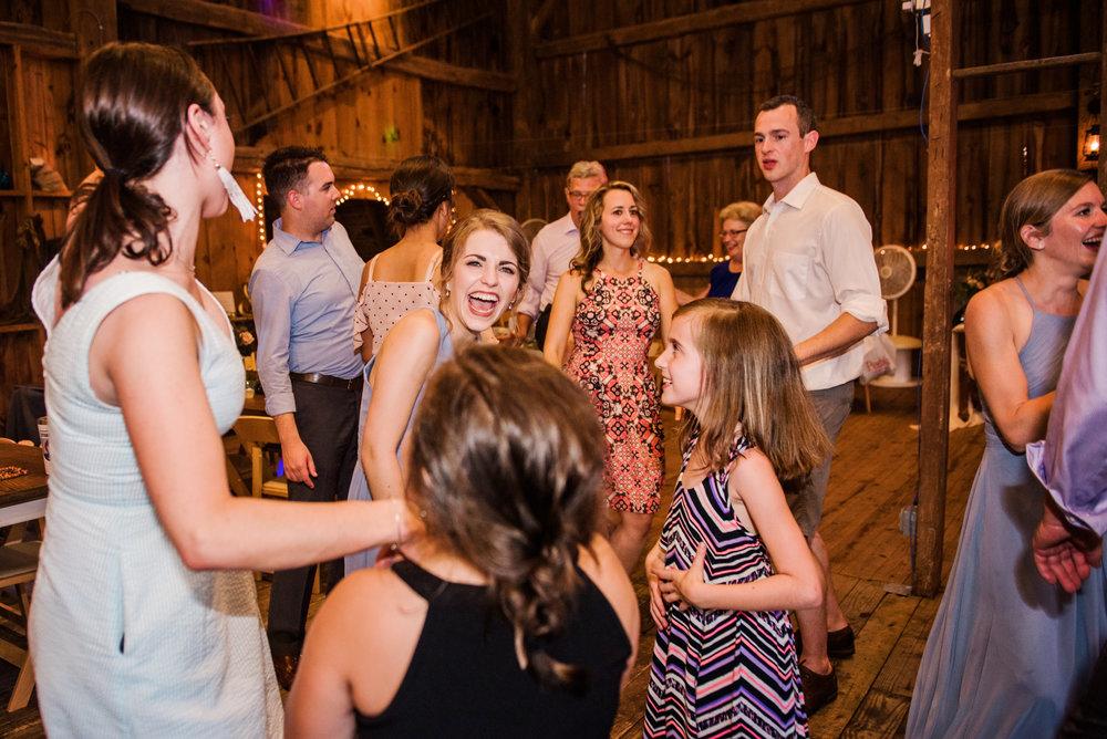 JILLSTUDIO_Toganenwood_Estate_Rochester_Wedding_Rochester_NY_Photographer_DSC_6690.jpg