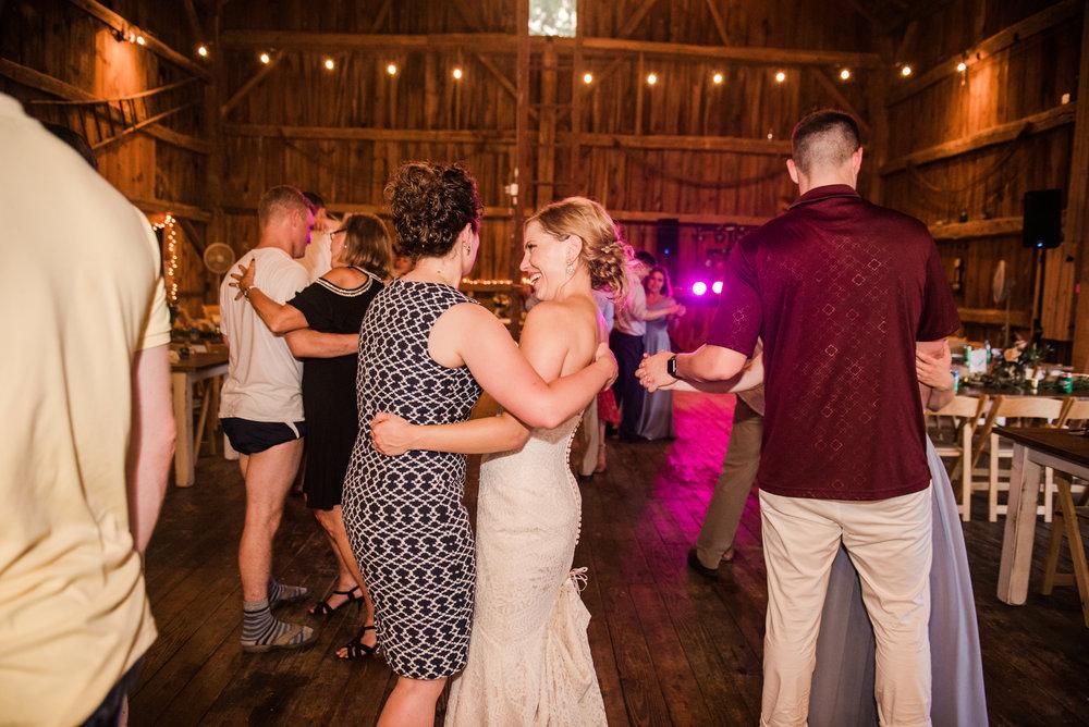 JILLSTUDIO_Toganenwood_Estate_Rochester_Wedding_Rochester_NY_Photographer_DSC_6794.jpg