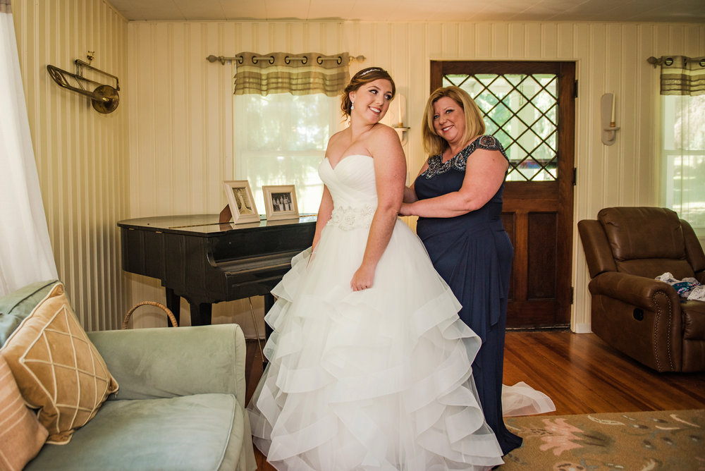 JILLSTUDIO_Club_86_Finger_Lakes_Wedding_Rochester_NY_Photographer_DSC_6851.jpg