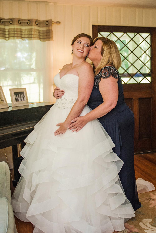 JILLSTUDIO_Club_86_Finger_Lakes_Wedding_Rochester_NY_Photographer_DSC_6854.jpg