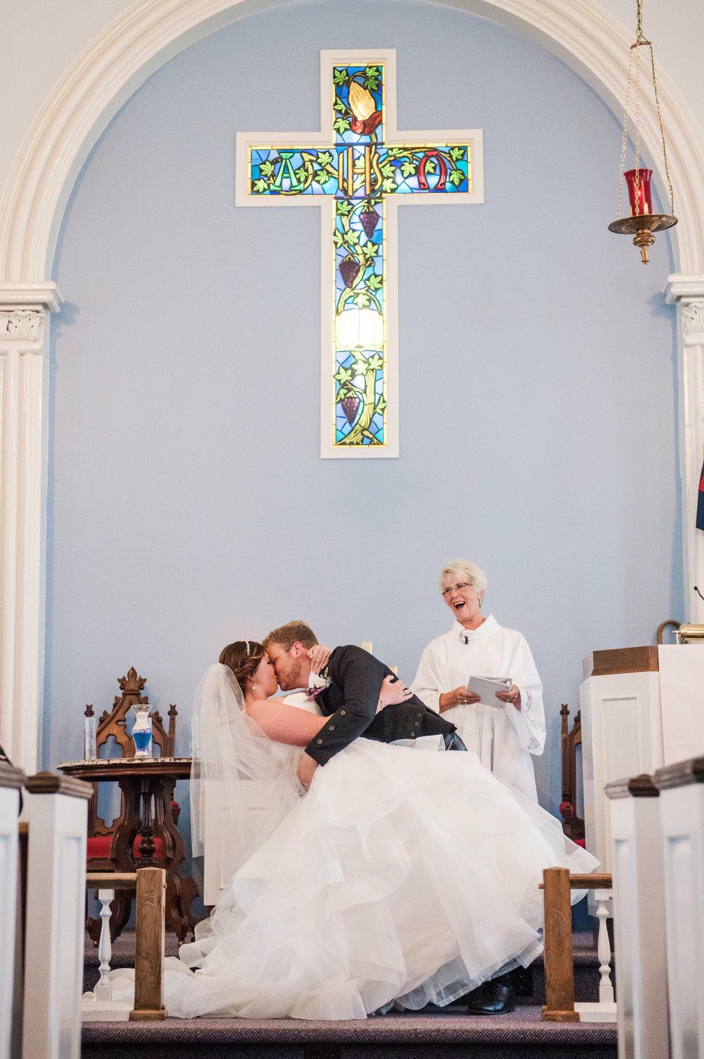JILLSTUDIO_Club_86_Finger_Lakes_Wedding_Rochester_NY_Photographer_DSC_7288.jpg