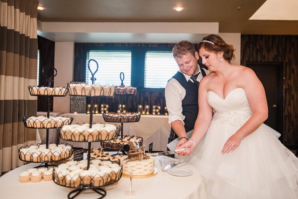 JILLSTUDIO_Club_86_Finger_Lakes_Wedding_Rochester_NY_Photographer_DSC_7591.jpg