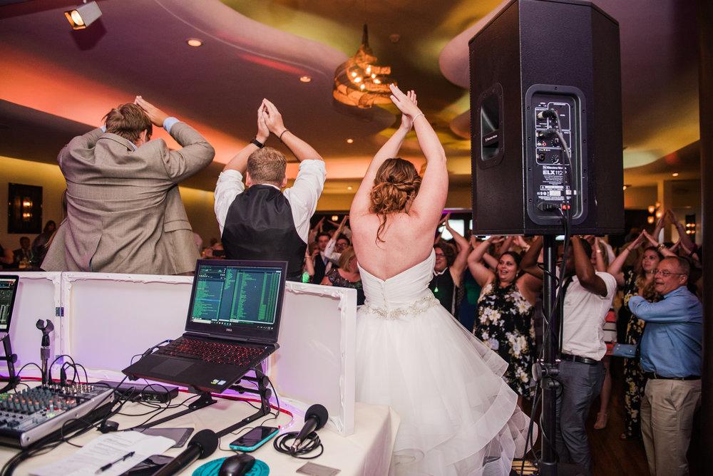 JILLSTUDIO_Club_86_Finger_Lakes_Wedding_Rochester_NY_Photographer_DSC_7695.jpg