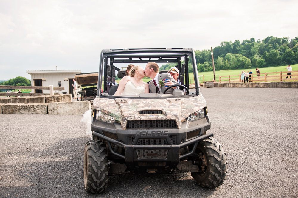 JILLSTUDIO_MKJ_Farms_Central_NY_Wedding_Rochester_NY_Photographer_DSC_8694.jpg
