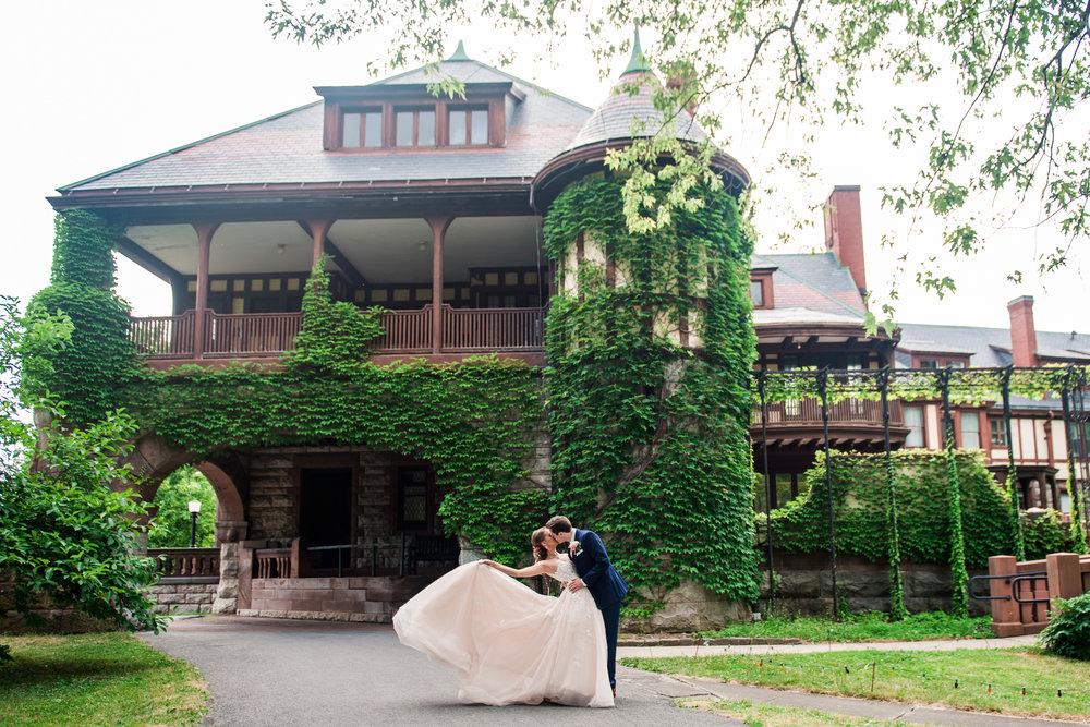 JILLSTUDIO_Sonnenberg_Gardens_Finger_Lakes_Wedding_Rochester_NY_Photographer_164820.jpg