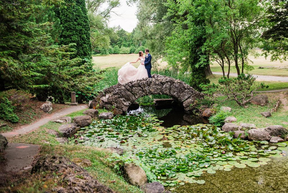 JILLSTUDIO_Sonnenberg_Gardens_Finger_Lakes_Wedding_Rochester_NY_Photographer_181419.jpg