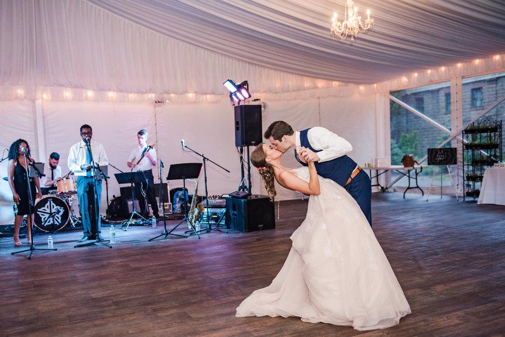 JILLSTUDIO_Sonnenberg_Gardens_Finger_Lakes_Wedding_Rochester_NY_Photographer_202903.jpg