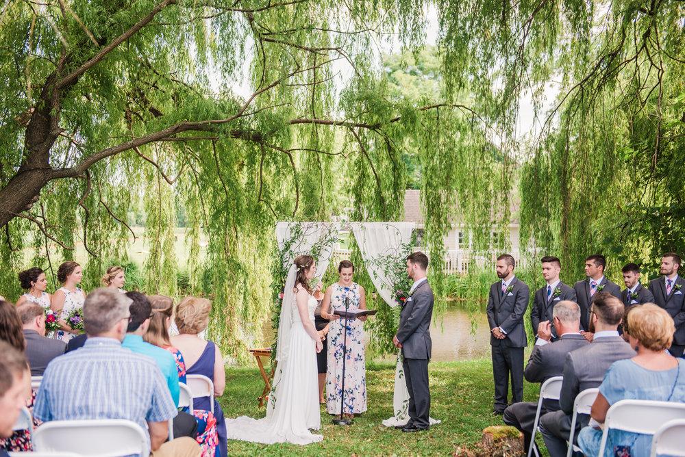 Jerris_Wadsworth_Wedding_Barn_Rochester_Wedding_JILL_STUDIO_Rochester_NY_Photographer_DSC_2628.jpg