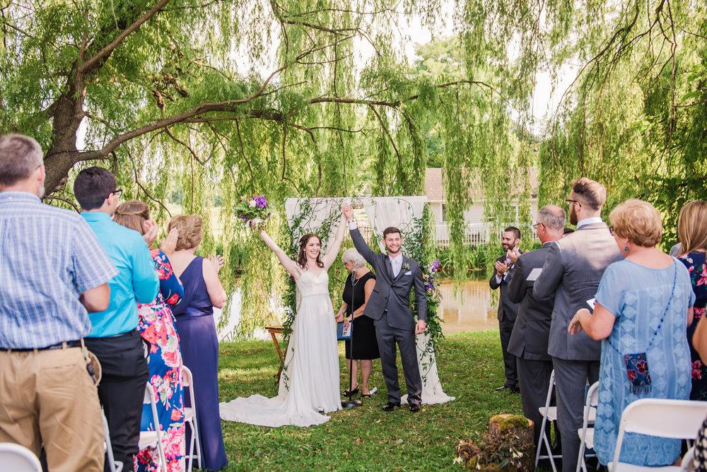 Jerris_Wadsworth_Wedding_Barn_Rochester_Wedding_JILL_STUDIO_Rochester_NY_Photographer_DSC_2698.jpg