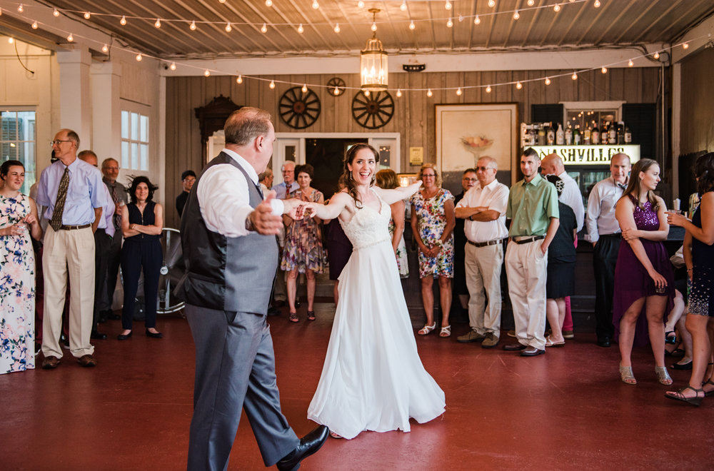Jerris_Wadsworth_Wedding_Barn_Rochester_Wedding_JILL_STUDIO_Rochester_NY_Photographer_DSC_3018.jpg