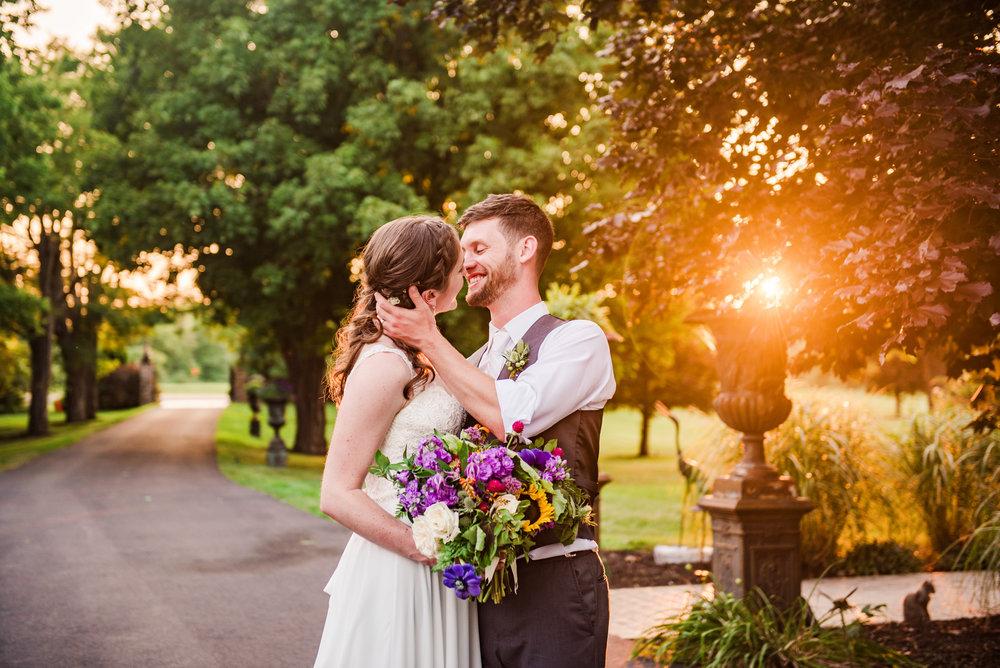 Jerris_Wadsworth_Wedding_Barn_Rochester_Wedding_JILL_STUDIO_Rochester_NY_Photographer_DSC_3075.jpg