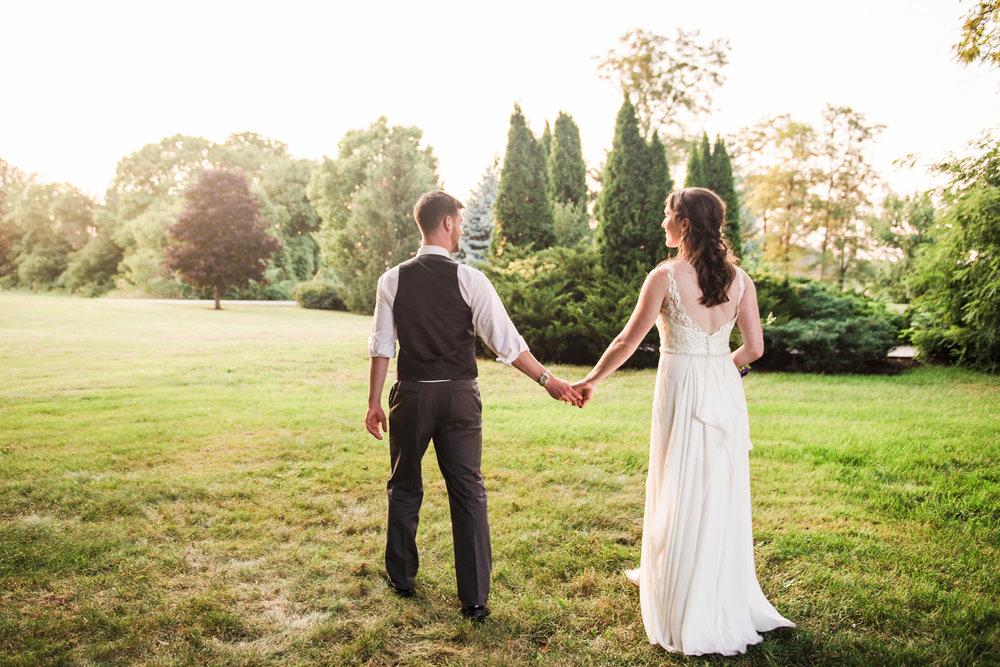 Jerris_Wadsworth_Wedding_Barn_Rochester_Wedding_JILL_STUDIO_Rochester_NY_Photographer_DSC_3076.jpg