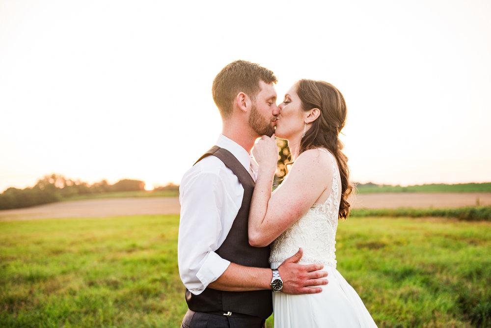 Jerris_Wadsworth_Wedding_Barn_Rochester_Wedding_JILL_STUDIO_Rochester_NY_Photographer_DSC_3110.jpg