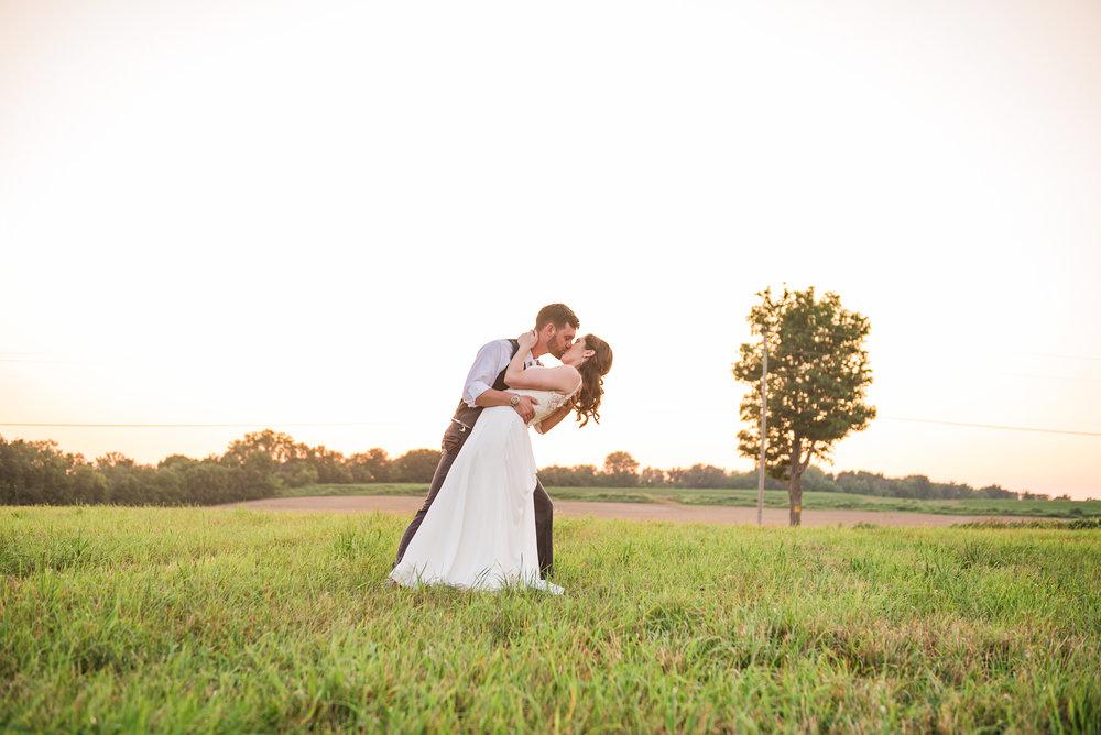 Jerris_Wadsworth_Wedding_Barn_Rochester_Wedding_JILL_STUDIO_Rochester_NY_Photographer_DSC_3114.jpg