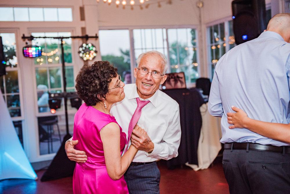 Jerris_Wadsworth_Wedding_Barn_Rochester_Wedding_JILL_STUDIO_Rochester_NY_Photographer_DSC_3179.jpg