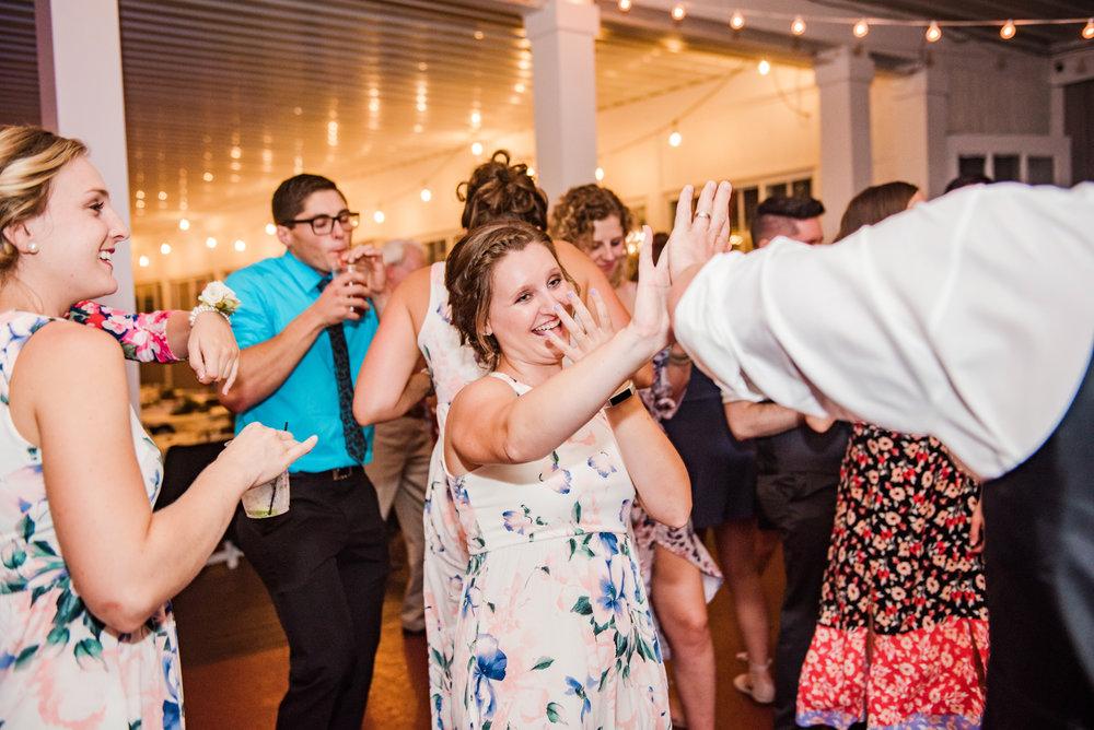 Jerris_Wadsworth_Wedding_Barn_Rochester_Wedding_JILL_STUDIO_Rochester_NY_Photographer_DSC_3204.jpg