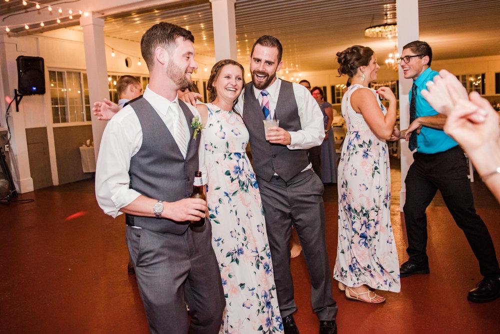 Jerris_Wadsworth_Wedding_Barn_Rochester_Wedding_JILL_STUDIO_Rochester_NY_Photographer_DSC_3208.jpg