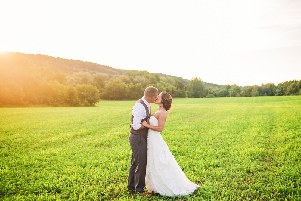 Wolf_Oak_Acres_Central_NY_Wedding_JILL_STUDIO_Rochester_NY_Photographer_DSC_5774.jpg