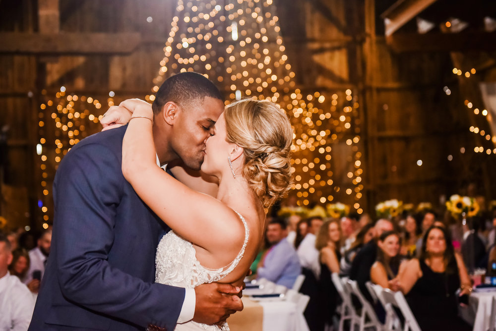 Cobblestone_Wedding_Barn_Rochester_Wedding_JILL_STUDIO_Rochester_NY_Photographer_DSC_7725.jpg
