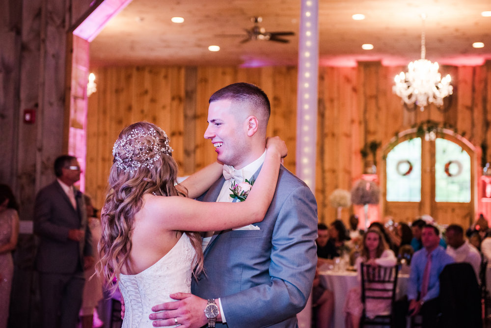 Wolf_Oak_Acres_Central_NY_Wedding_JILL_STUDIO_Rochester_NY_Photographer_DSC_8895.jpg