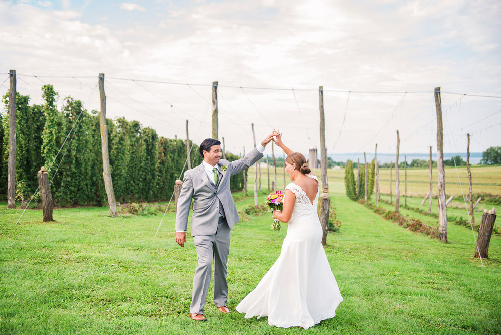 Climbing_Bines_Finger_Lakes_Wedding_JILL_STUDIO_Rochester_NY_Photographer_165622.jpg