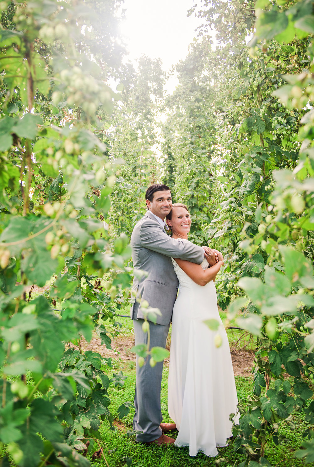 Climbing_Bines_Finger_Lakes_Wedding_JILL_STUDIO_Rochester_NY_Photographer_170015.jpg