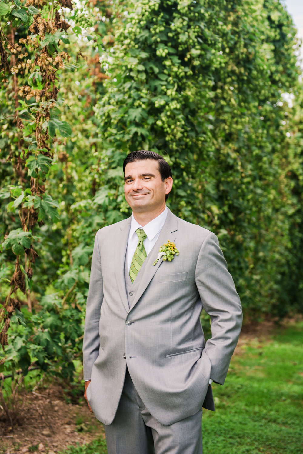 Climbing_Bines_Finger_Lakes_Wedding_JILL_STUDIO_Rochester_NY_Photographer_170108.jpg