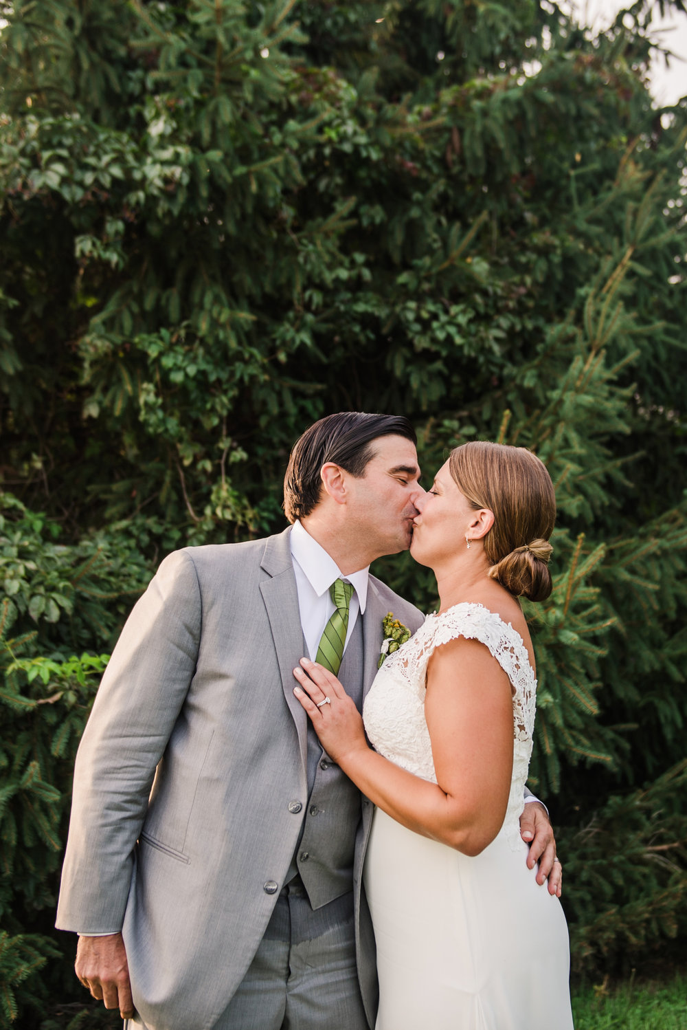 Climbing_Bines_Finger_Lakes_Wedding_JILL_STUDIO_Rochester_NY_Photographer_184917.jpg