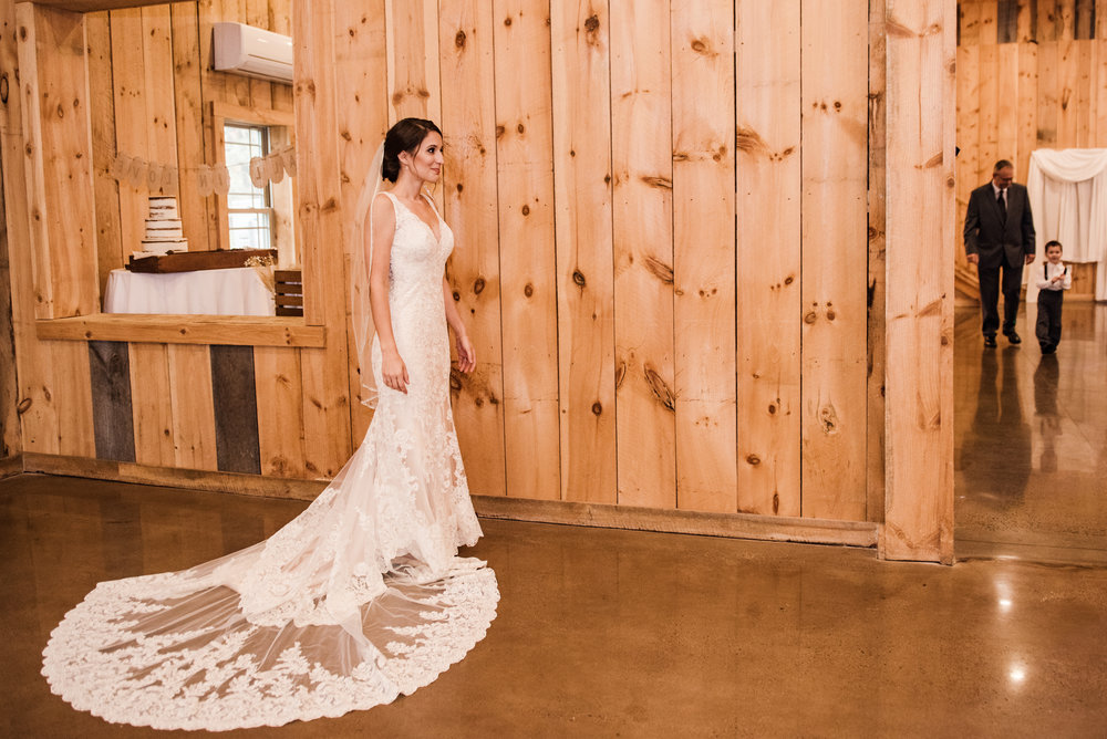 Wolf_Oak_Acres_Central_NY_Wedding_JILL_STUDIO_Rochester_NY_Photographer_DSC_7084.jpg