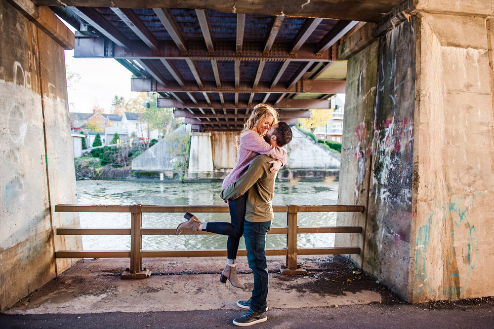 Village_of_Fairport_Rochester_Engagement_Session_JILL_STUDIO_Rochester_NY_Photographer_DSC_8580.jpg