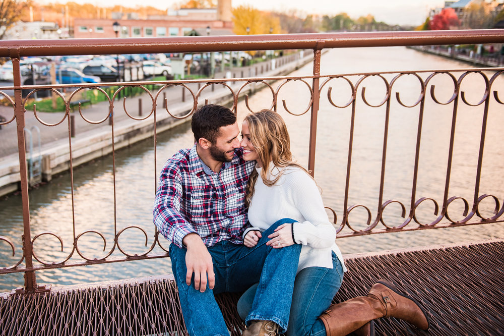 Village_of_Fairport_Rochester_Engagement_Session_JILL_STUDIO_Rochester_NY_Photographer_DSC_8811.jpg
