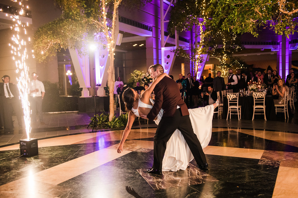 Wintergarden_by_Monroes_Rochester_Wedding_JILL_STUDIO_Rochester_NY_Photographer_214604.jpg