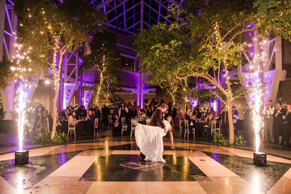 Wintergarden_by_Monroes_Rochester_Wedding_JILL_STUDIO_Rochester_NY_Photographer_214610.jpg