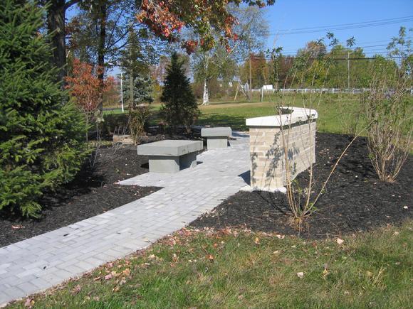 580_Memorial_Wall_Garden_006.jpg