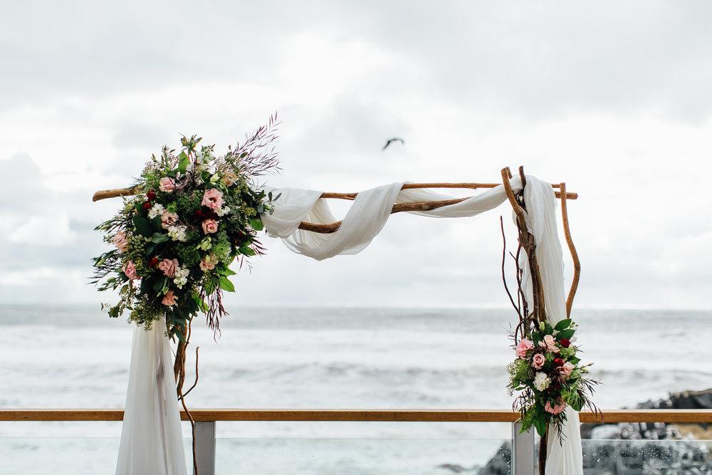 m-b-malibu-west-beach-club-wedding-alter