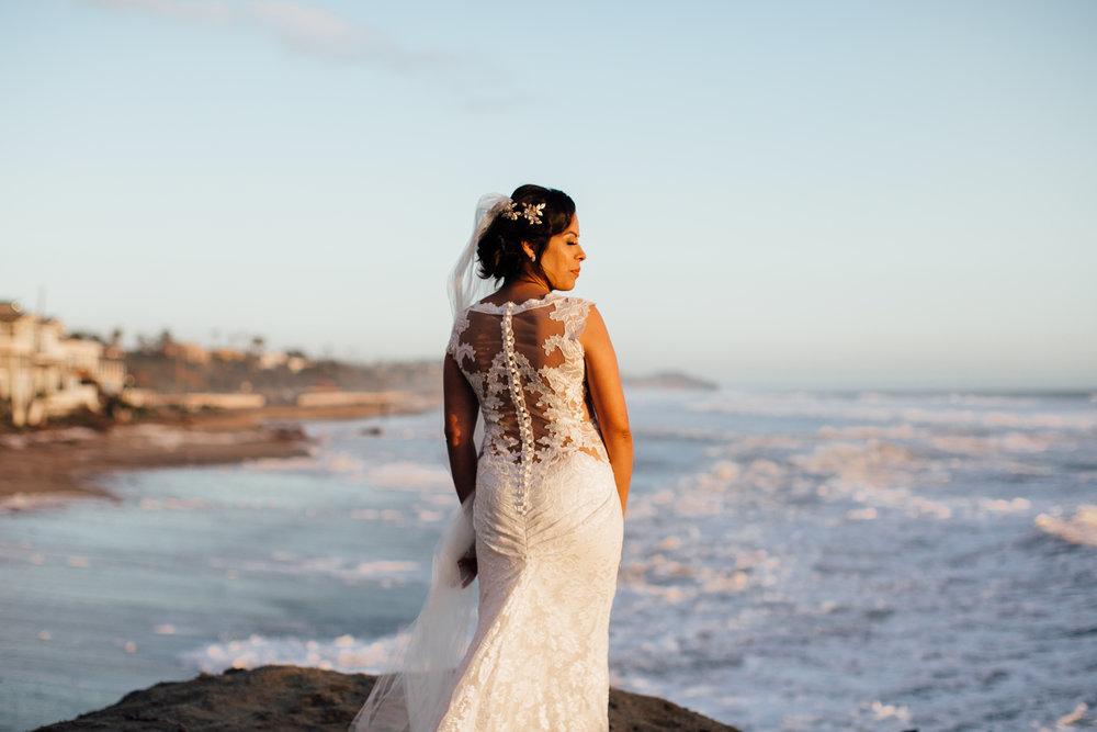 m-b-malibu-west-beach-club-wedding-bride-portrait