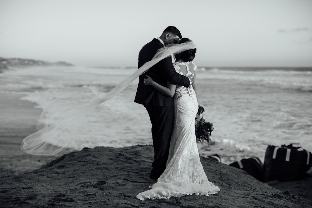 m-b-malibu-west-beach-club-wedding-couples-portrait-black-and-white