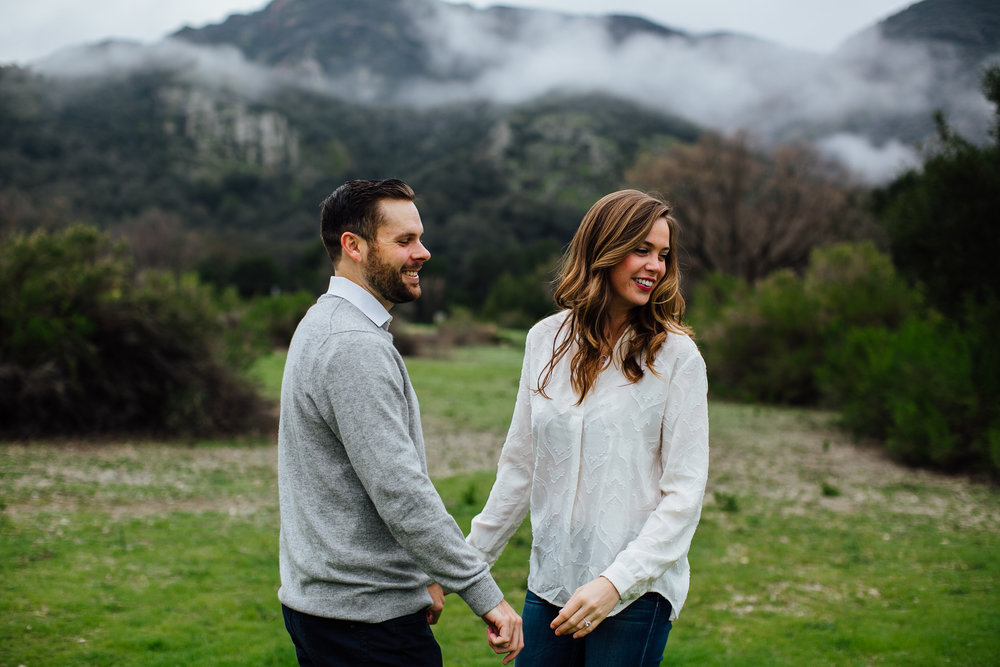 w&j-malibu-canyon-engagement-session-look-over