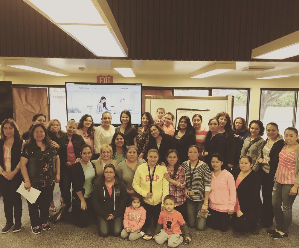 """""""Lideres en Nuestras Vidas!"""" Una manana increible impartiendo un taller sobre liderazgo y bienestar a estas increibles participantes."""
