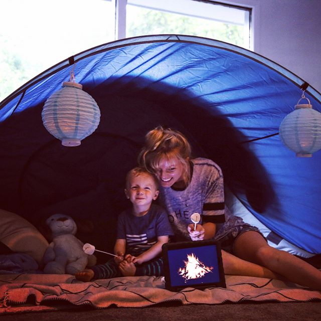 While daddy is away on business... Zander and Momma make forts, roast marshmallows in the living room, watch a family favorite movie and stay up past bedtime 😳🙌! But what would be better, is having daddy here with us! So excited to see you tonight Pa! 😘