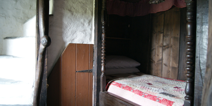 A traditional single Welsh box bed